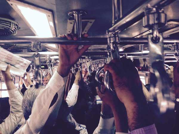 gipsyhearts-india-MUMBAI-train-walldecor
