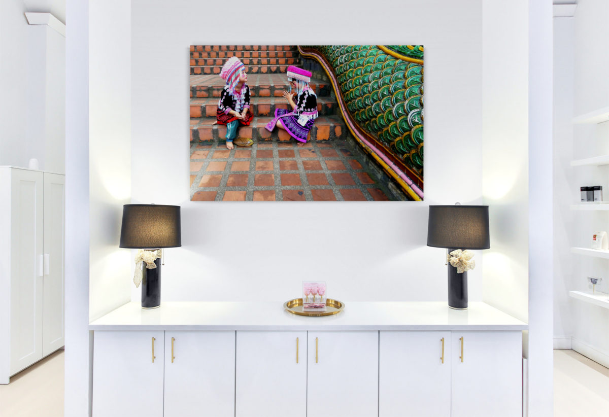 Retail_store_interior_wall